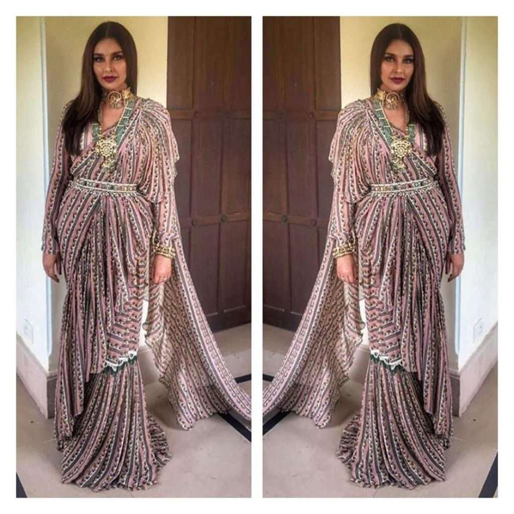 Lisa Ray In Riddhi Mehra