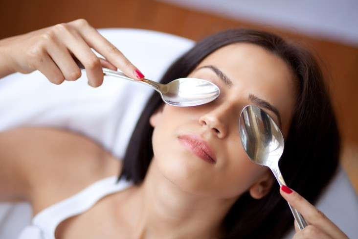 Cold Spoon Treatment For Eye Bags